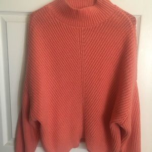 EXPRESS coral cropped sweater M